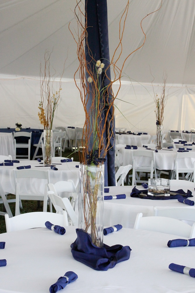 White-Tablecloth-with-white-chairs